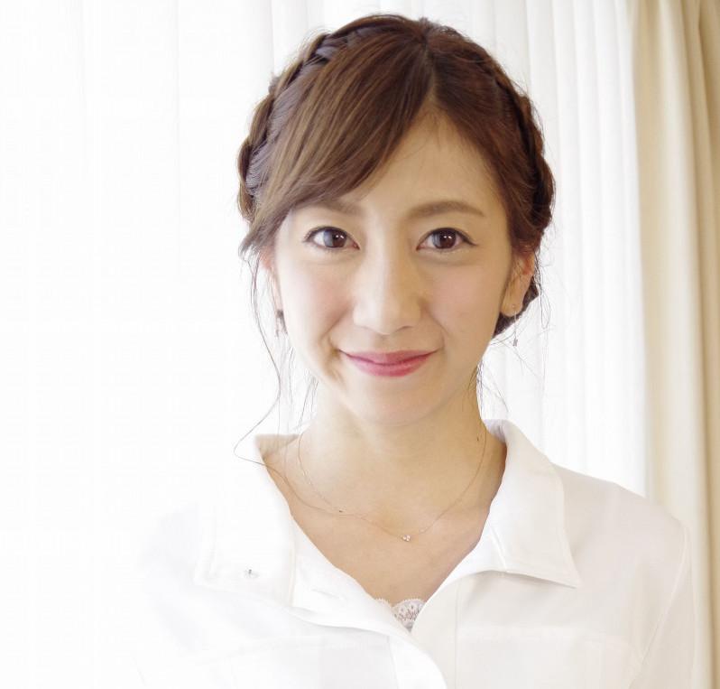 坂本麻子がくっきーと共演!美脚で可愛いと話題で結婚は?【画像】