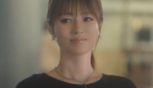 『ユニクロのスマートパンツ』CMの女優は誰?歩く姿が美しいポニーテール美人!