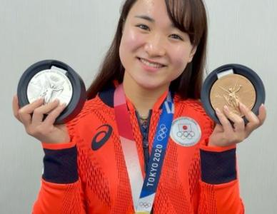 『東京五輪卓球女子』伊藤美誠選手が金銀銅メダル総なめ!あの国民的女優にそっくりと話題に!
